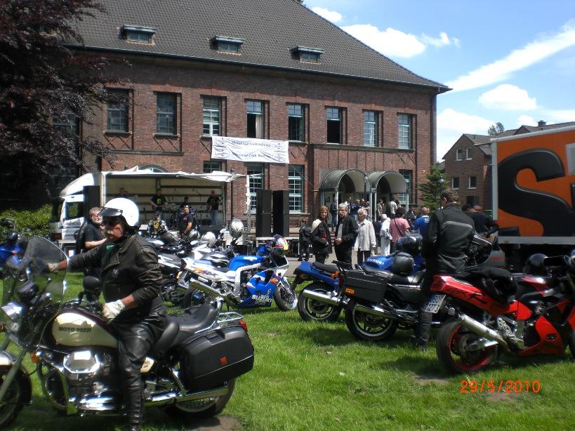 29-_motorradfahrer-gottesdienst_2010_038
