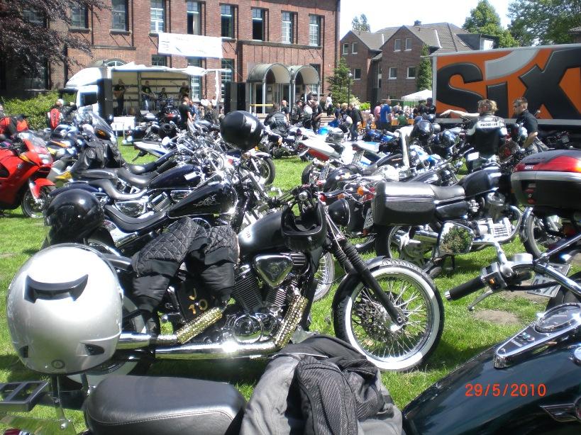 29-_motorradfahrer-gottesdienst_2010_042