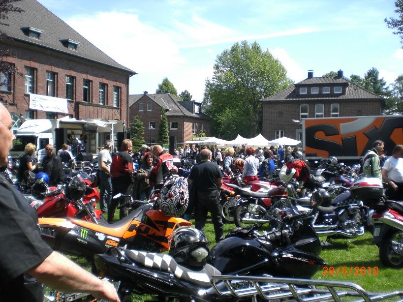 29-_motorradfahrer-gottesdienst_2010_043