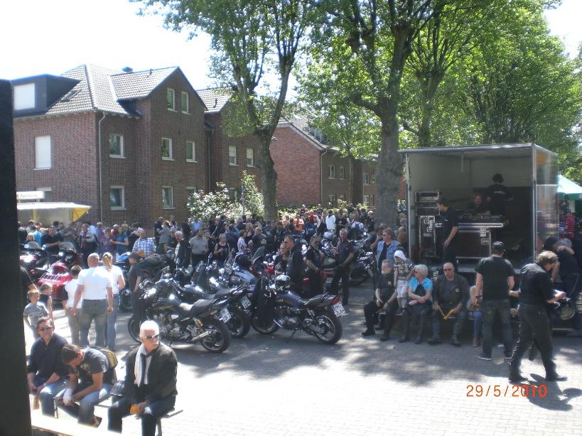29-_motorradfahrer-gottesdienst_2010_051