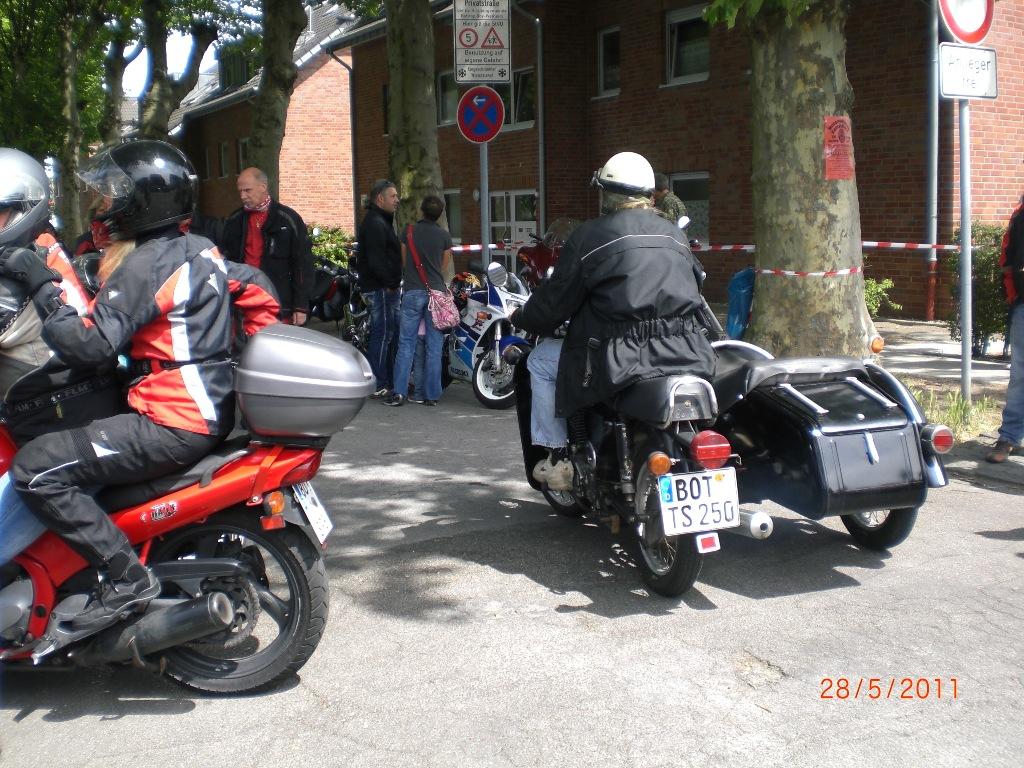 mogo_2011_071