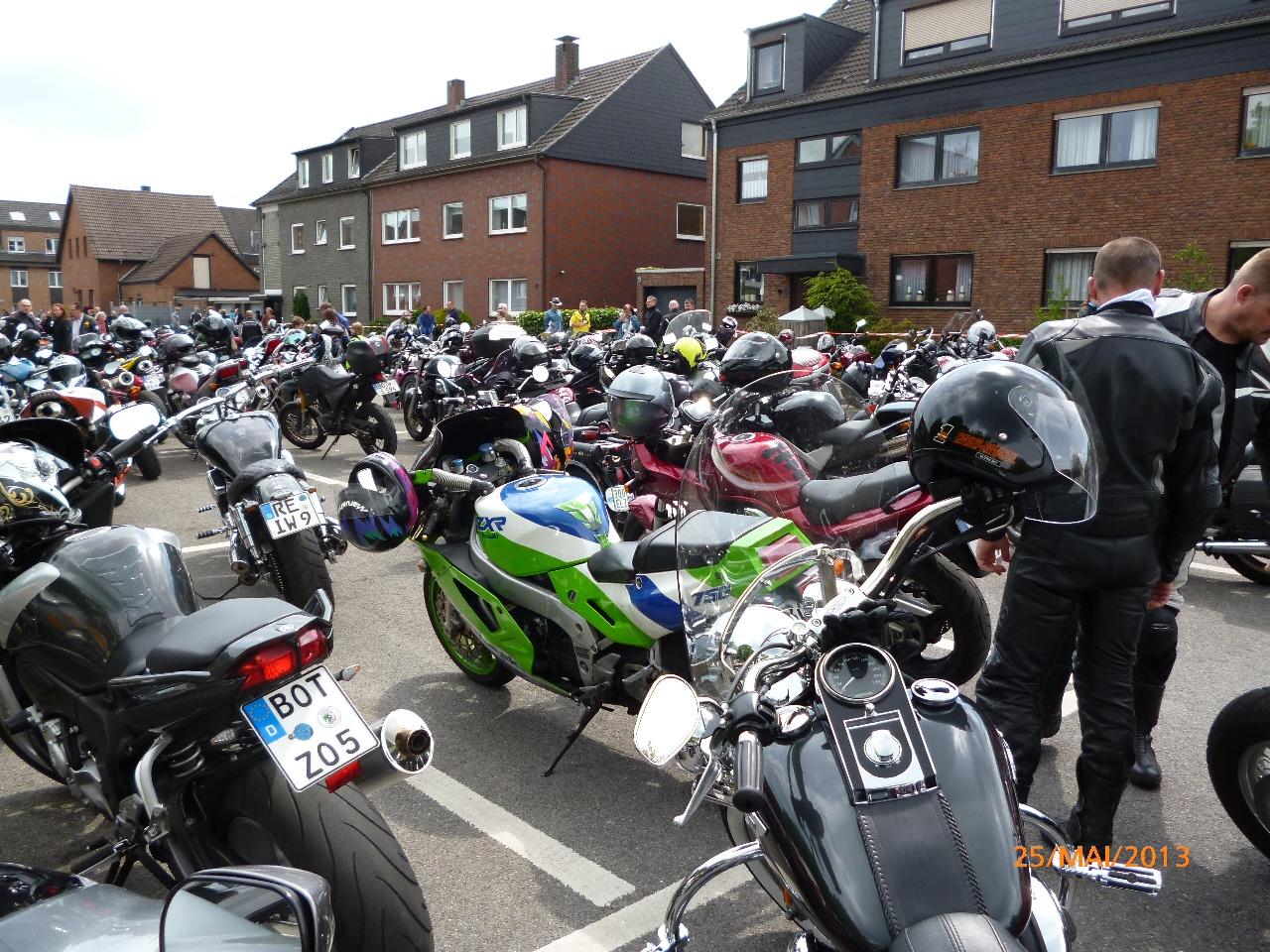 32-motorradfahrer-gottesdienst_2013_59