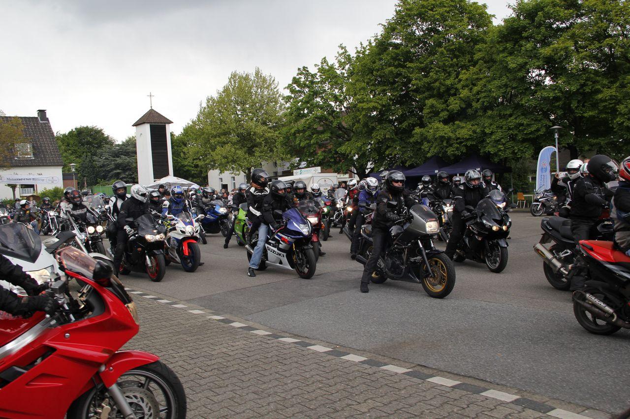 32-motorradfahrer-gottesdienst_2013_77